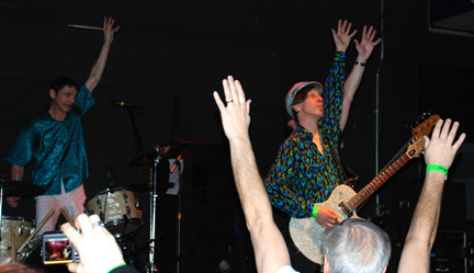 Fleshtones show of hands