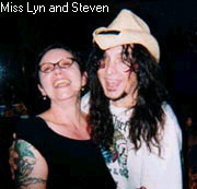 You want to guess where Steven's left hand is? Yup, that explains Miss Lyn's joyful expression.